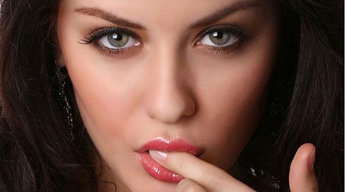 11 آموزش تصویری تکنیک های حرفه ای آرایش صورت در فتوشاپ