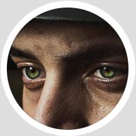فیلم آموزش تغییر رنگ و زیباسازی چشم ها در فتوشاپ به زبان فارسی